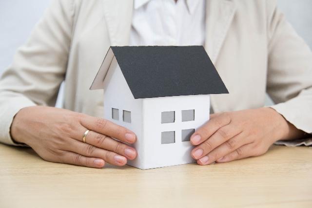 住宅ローンの返済がきつい!競売・任意売却をせずに家を残す方法がある!?